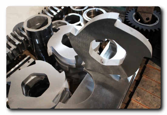 The cutting tools, exposed to the most adverse conditions, consist of cutter disks with barbed shredder teeth.